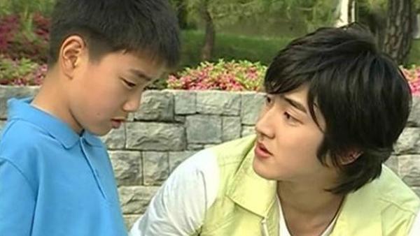 ภาพในอดีตของยูซึงโฮและซีวอน SJ กำลังได้รับความสนใจอย่างมากจากชาวเน็ต