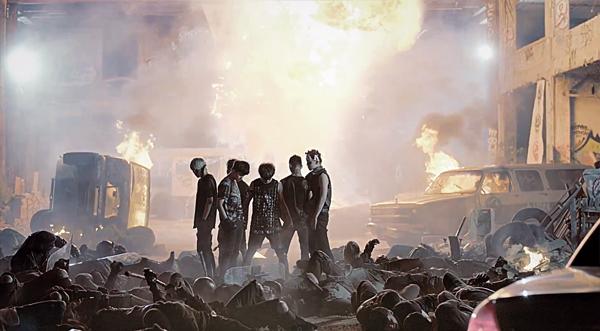 "B.A.P ปล่อย MV สุดอลังการในเพลง ""BADMAN"" พร้อมกับเปิดตัวมินิอัลบั้ม"