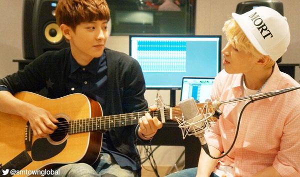 """เฮนรี่ร่วมมือกับชานยอล EXO โชว์เพลง """"1-4-3 (I Love You)"""" ในแบบฉบับ Acoustic Version"""