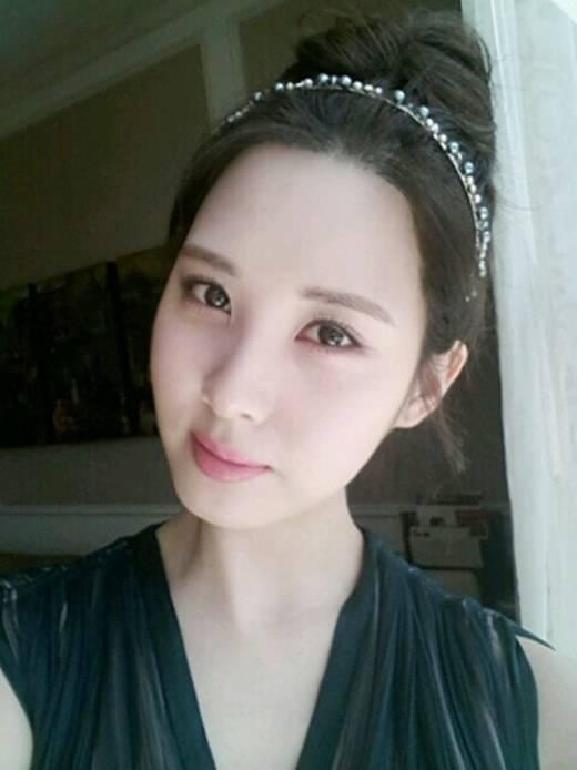 ซอฮยอนเผยว่าเธอคิดถึงแฟนๆและโชว์ภาพ Selca สุดสวยของเธอ