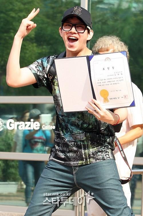 ฮีชอล SJ ยิ้มทักทายแฟนๆหลังจากปลดประจำการแล้ว!!