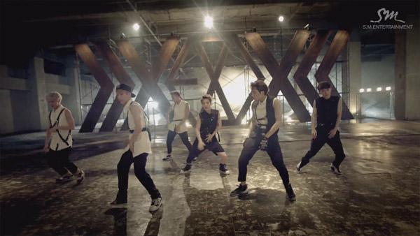 "EXO ปล่อย Music Video เพลง ""Growl"" เวอร์ชั่นที่ 2 !!!"