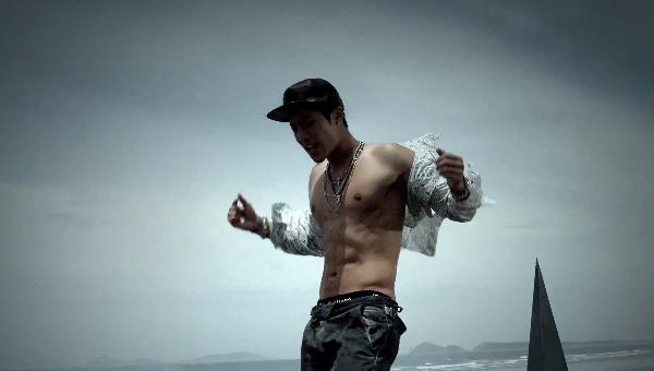 """[Live]คิมฮยอนจุง โชว์เสน่ห์บนเวทีของเขาในเพลง """"Your Story"""" 2/8/2013"""