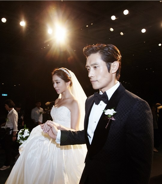 lee-byung-hun-lee-min-jung-5