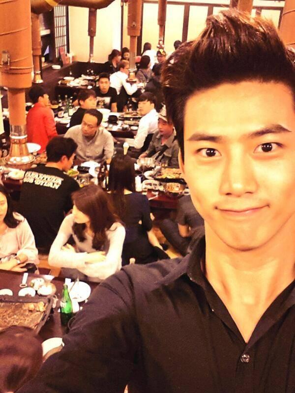 """แทคยอน 2PM ขอบคุณผู้ชมที่คอยติดตามดูละครของเขาเรื่อง """"Who Are You"""""""