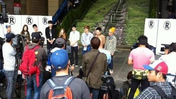 ว้าว!!ไอยูและปาร์คมยองซูถูกพบขณะถ่ายทำรายการ Running Man!!