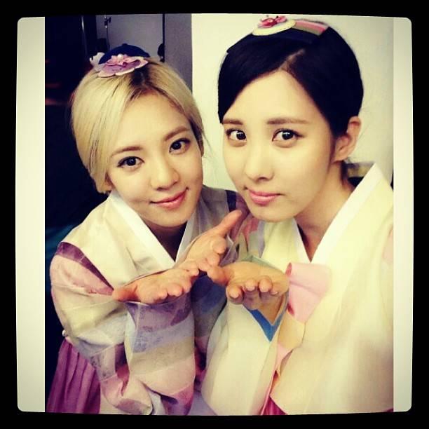 Girls-Generation-Hyoyeon-Seohyun_1379612203_af_org