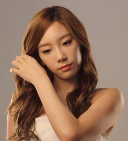 Girls Generation-Taeyeon-3