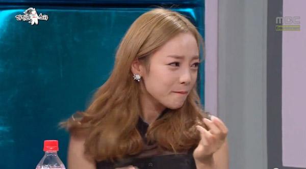 ยุนจงชินและผู้เขียนบทรายการ Radio Star ออกมาพูดปกป้องสาวๆ KARA