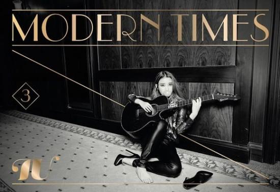 """ไอยู (IU) ส่งสัญญาณการคัมแบ็คของเธอด้วยสองภาพทีเซอร์ใหม่สำหรับ """"Modern Times"""""""