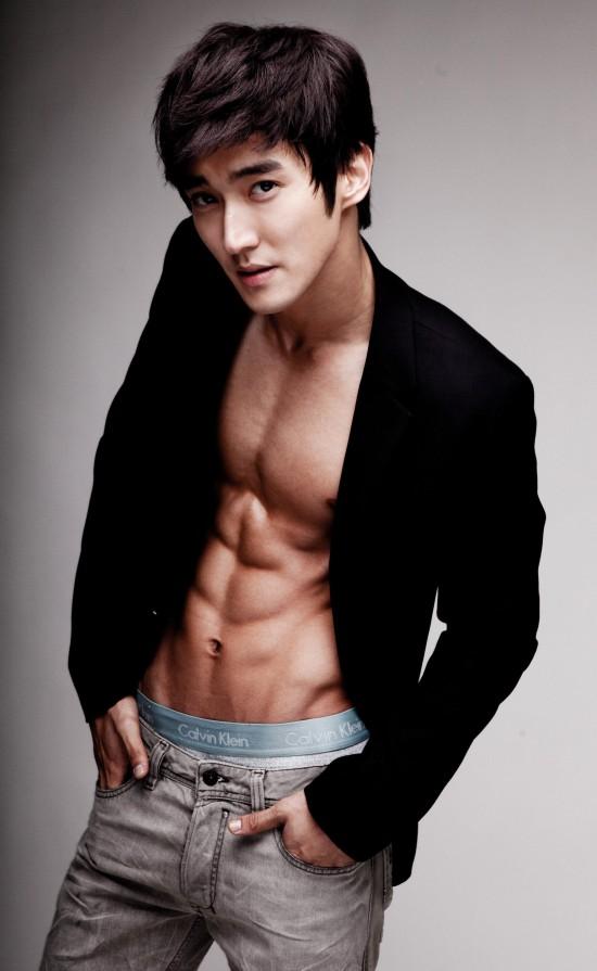 julien-kang_1377618821_20130827_siwon