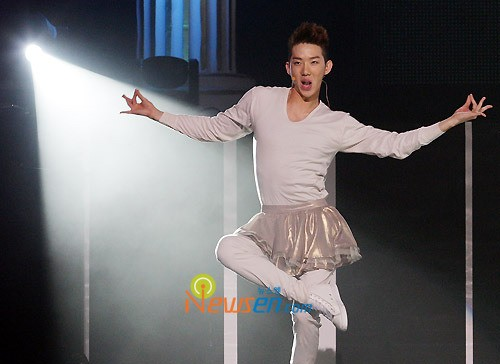 Lee-Joon_1382046605_MALE2a