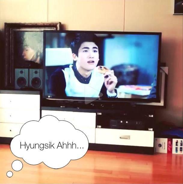 ฮีชอลและเรียวอุค Super Junior เป็นแฟนบอยของฮยองซิก ZE:A ขณะดู Heirs