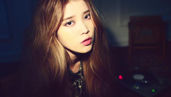 """ไอยู (IU) ปล่อยวิดีโอทีเซอร์เพลงต่อไปของเธอในชื่อ """"Love of B"""""""