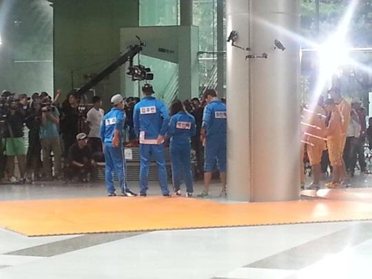 running-man-kim-woo-bin-park-shin-hye-choi-jin-hyuk