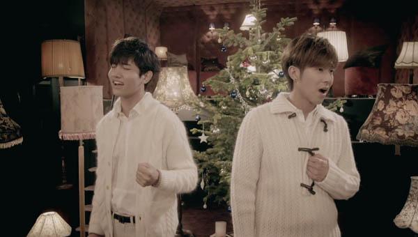 "TVXQ ปล่อย PV แบบสั้นสำหรับเพลง ""Very Merry Xmas"""