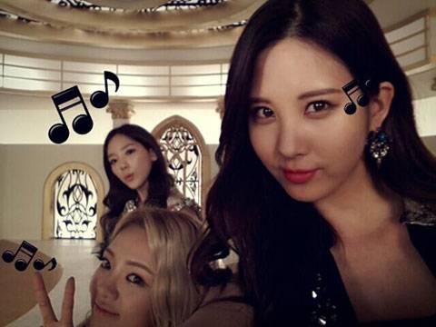 Girls-Generation-Taeyeon-Hyoyeon-Seohyun_1383665213_af_org
