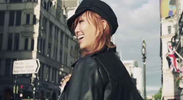 """มาแล้ว!!ฮโยรินปล่อย MV เพลง """"Lonely"""" สำหรับการออกเดี่ยวของเธอ!!"""