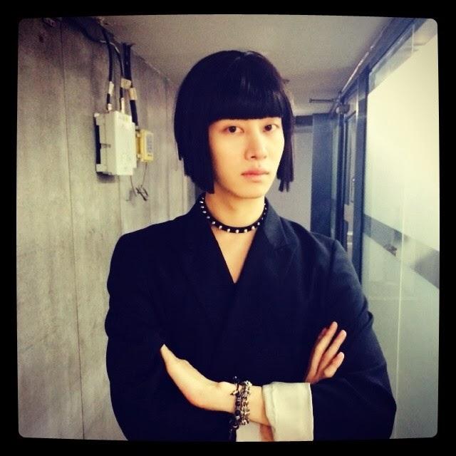"""ฮีชอลและอึนฮยอก SJ แต่งตัวล้อเลียนละครยอดฮิตในตอนนี้ """"The Heirs"""""""