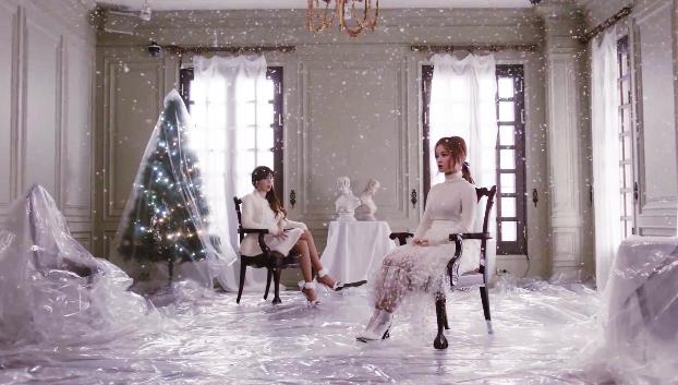 "BH (บอมและฮาอี) ปล่อย MV เพลง ""All I Want for Christmas is You"""