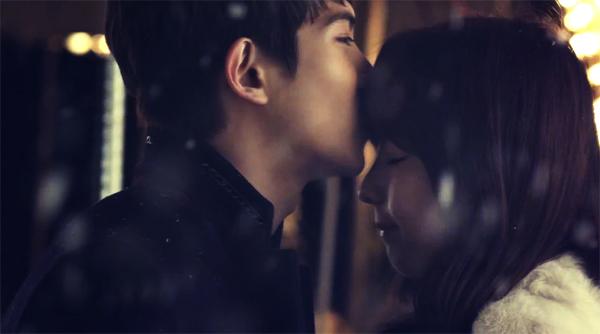"""จงฮยอน CNBLUE และจูเนียลปล่อย MV เพลง """"Love Falls"""" + 3 คลิปเบื้องหลังการถ่ายทำ"""