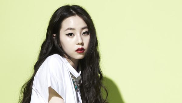 โซฮีเลือกที่จะไม่ร่วมงานปรากฏตัวต่อหน้าสาธารณะเป็นครั้งแรกตั้งแต่มีข่าวสัญญาของเธอกับ JYPE