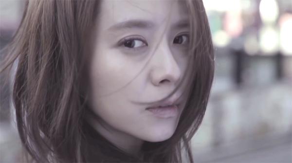 """มาดูจีฮโยแสดงนำใน MV เพลง """"Winter Song"""" ของ Free Style feat. Navi!!"""