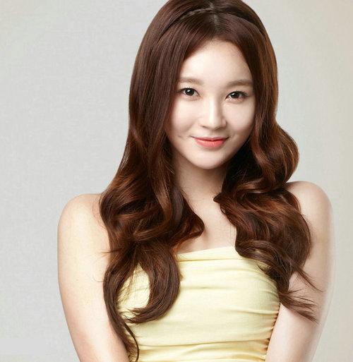 Davichi-Kang-Min-Kyung-3