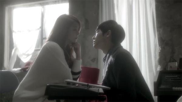 """เอลลี่ (Ailee) ปล่อย MV สำหรับดิจิตอลซิงเกิ้ล """"Singing Got Better"""" นำแสดงโดยอีจุน"""