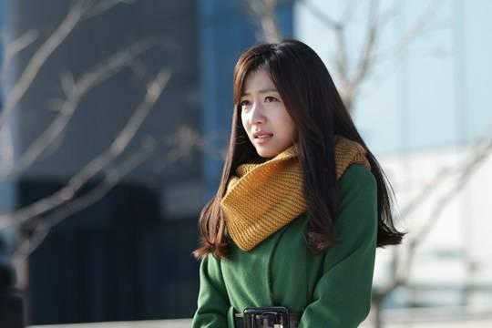 ฮวายองถูกพบขณะถ่ายทำบางอย่างที่คาดว่าจะเป็น Music Video