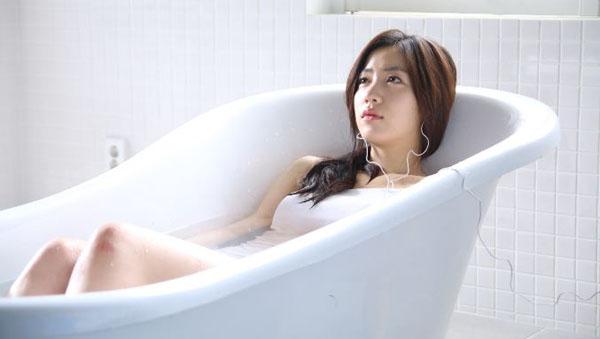 """ฮวายองโชว์ทักษะการแสดงของเธอใน MV เพลง """"Have You Ever Cried"""" ของ ZIA"""
