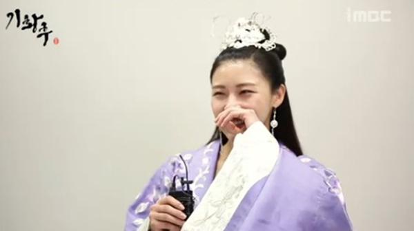 Ha Ji Won-2