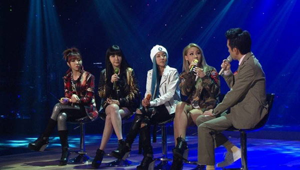 CL พูดถึงการถูกเปรียบเทียบกับ Girls' Generation และพูดถึงเพลงที่เธอแต่งเอง