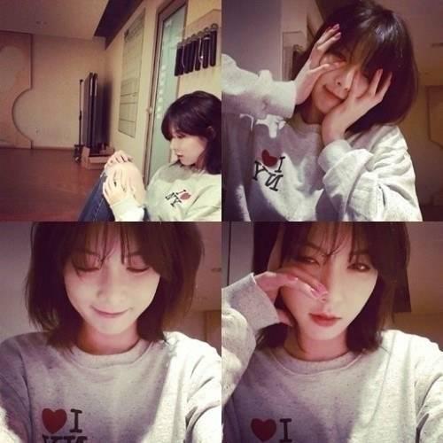 ฮยอนอาเผยภาพ Selca ของเธอขณะอยู่ในห้องซ้อมเตรียมตัวคัมแบ็คของ 4Minute!