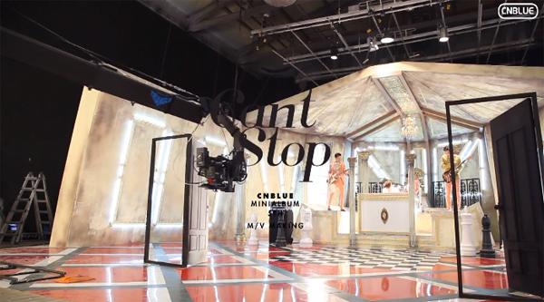 "CNBLUE ปล่อยคลิปเบื้องหลังการถ่ายทำ MV ""Can't Stop"" และเบื้องหลังการถ่ายทำภาพแจ็คเก็ตอัลบั้ม"