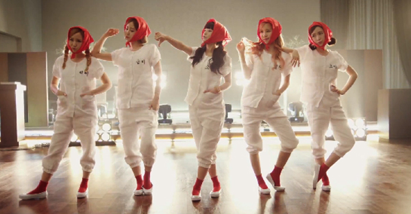 """มาแล้ว!!!Crayon Pop ปล่อย Music Video เพลง """"UH-EE""""!!"""