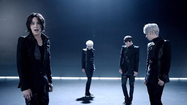 "JJCC บอยแบนด์ของเฉินหลงเดบิวต์ด้วยการปล่อย MV เพลง ""At First"" + คลิปซ้อมเต้น!!"
