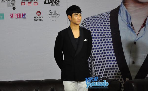 คิมซูฮยอนรู้สึกประทับใจและกล่าวขอบคุณที่แฟนๆชาวไทยมารอต้อนรับเขาอย่างอบอุ่น!!