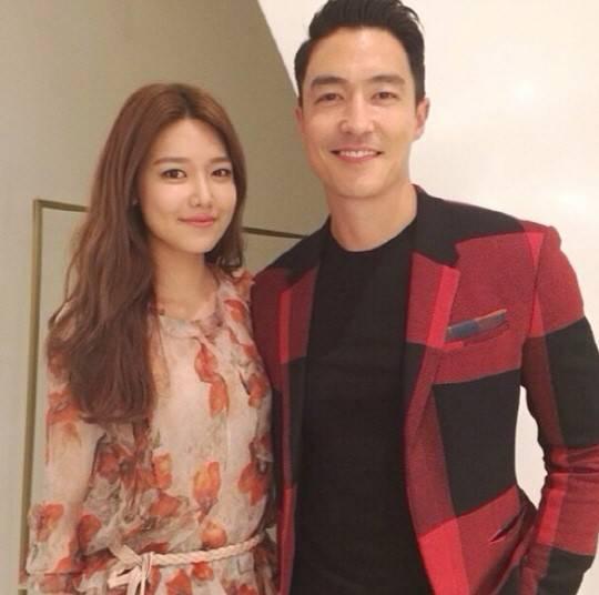ซูยองพยายามทำให้เจสสิก้าอิจฉาด้วยภาพถ่ายคู่กับหนุ่มแดเนียลเฮนนีย์