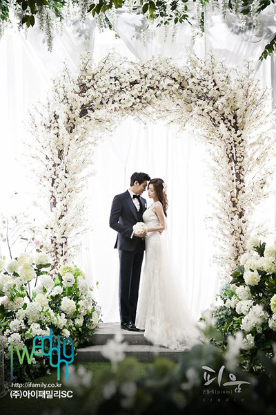 Jung Gyu Woon-Wedding-3