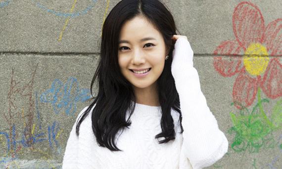 Moon-Chae-Won-moon-chae-won-32460259-650-975