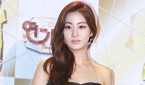 Kang Sora-car accident