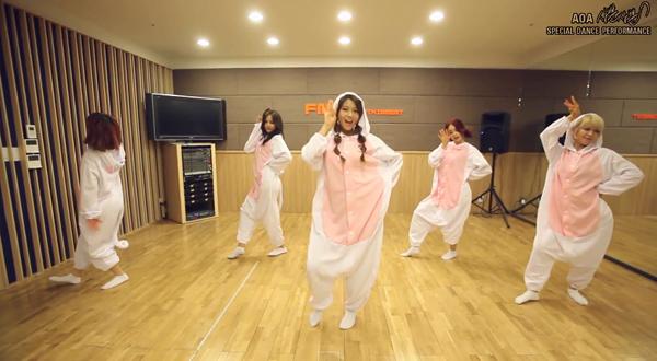 aoa_dance practice_like a cat_cat pajamas
