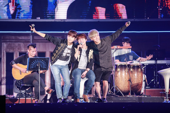 SUPER JUNIOR - K.R.Y. ASIA TOUR ~Phonograph~ in BANGKOK