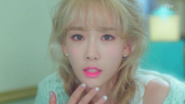 Girls-Generation-Taeyeon_1462882296_af_org