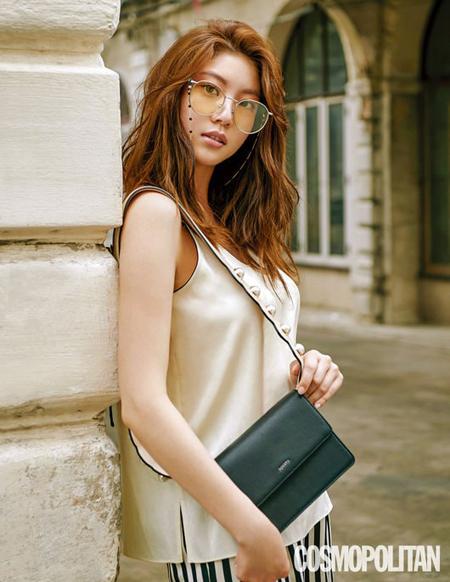 กงซึงยอนถ่ายแบบในประเทศไทยให้กับ Cosmopolitan เกาหลีฉบับเดือนมิถุนายน